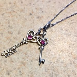 Jewelry - ❤️Sterling silver necklace💕